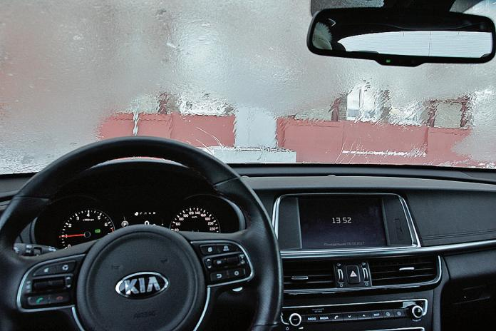 Какая система обогрева лобового стекла работает лучше?