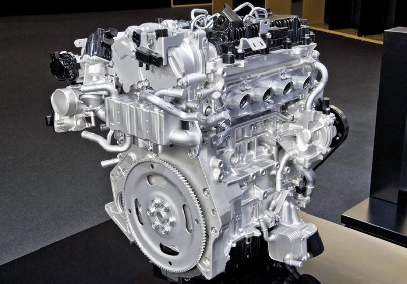 Mazda: новые двигатели будут экологичнее электрокаров
