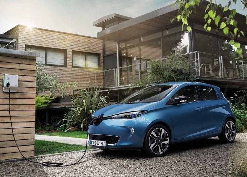 Обновленная Renault Zoe появится в июле с более мощным двигателем