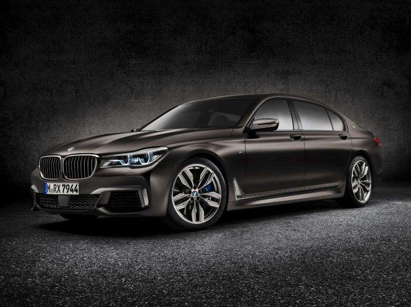 BMW M760Li xDrive откажется от двигателя V12