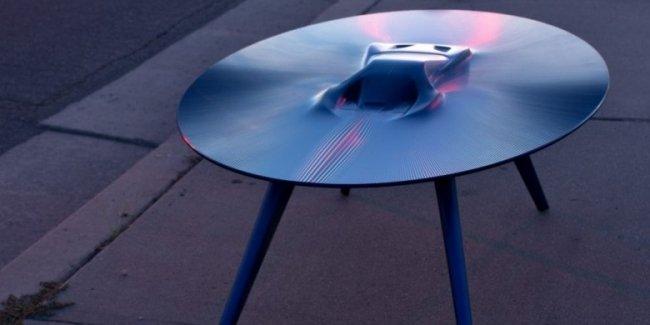 Кофейные столы с силуэтом автомобиля продают по 20 тысяч долларов