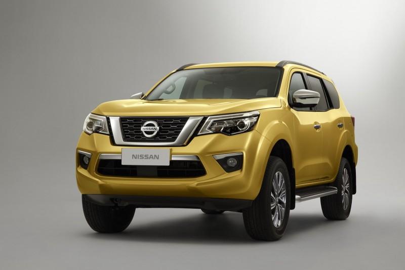Nissan показал новый внедорожник Terra