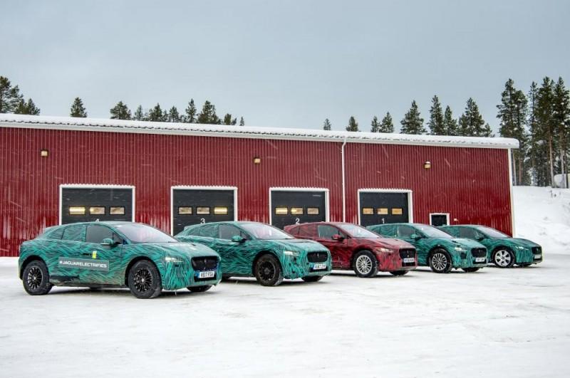 Продажи электрического кроссовера Jaguar I-Pace стартуют в Украине в августе
