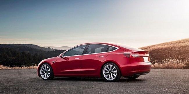 Проблемы с выпуском Tesla Model 3: нужное оборудование еще в Германии
