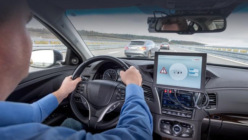 Bosch испытала систему связи машин с инфраструктурой