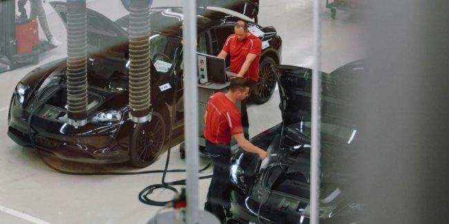 Porsche опубликовал фотографии сборки электрокара Mission E
