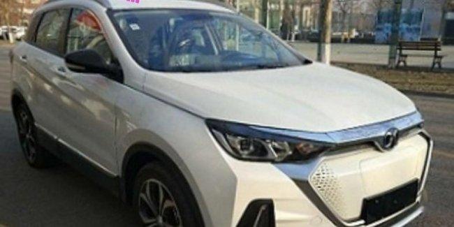 Китайцы показали электрический кроссовер за $28 000 с запасом хода 400 км