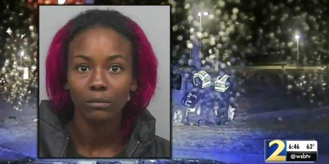 Женщина разбила автомобиль об столб «во имя веры в Бога»