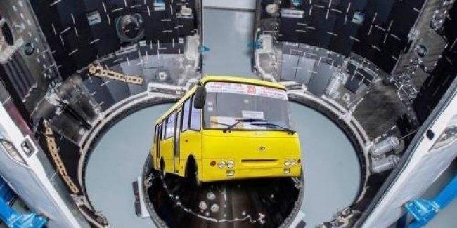 Министр инфраструктуры посоветовал транспортникам сдать свои маршрутки в металлолом
