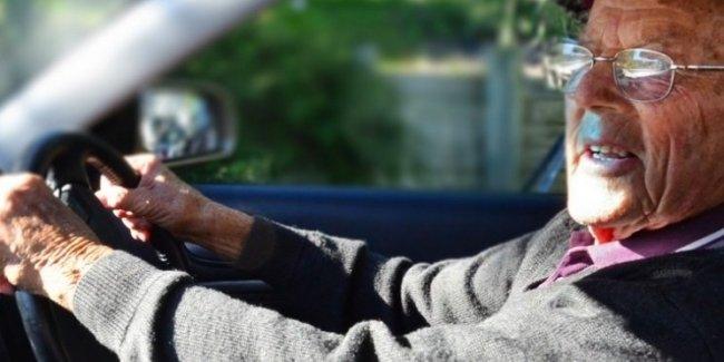 В Бельгии обеспокоились большим количеством водителей преклонного возраста