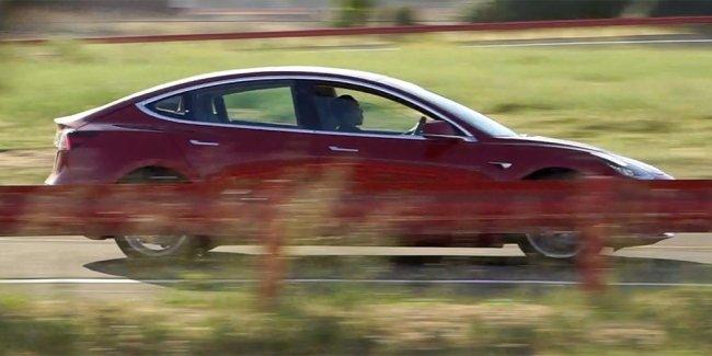 Tesla приступила к тестам спортивной версии самой доступной модели