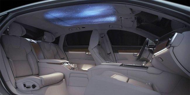 Volvo представила роскошный трехместный седан с проектором