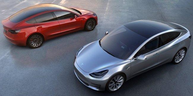 У «Теслы» снова проблемы со сборкой Model 3: конвейер остановят
