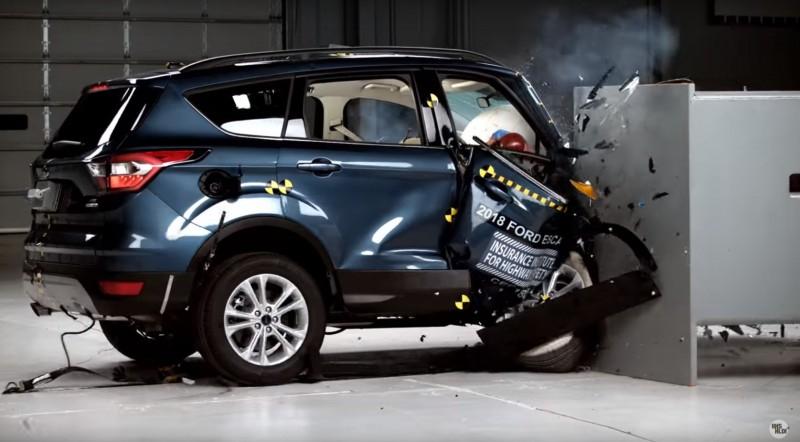 Ford Escape не прошел краш-тест IIHS на небольшое перекрытие [видео]