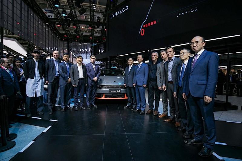 Lynk & Co представила в Пекине 01 SUV PHEV, который придет в Европу