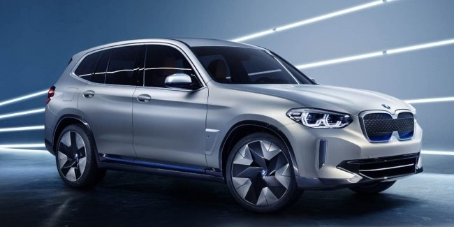 BMW представила в Пекине первый электрический кроссовер