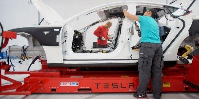 В Tesla решили проблему с задержкой выпуска бюджетной Model 3