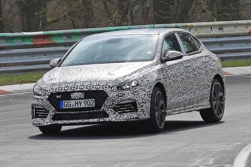 Фастбэк Hyundai i30 N проходит тестирование на Нюрбургринге