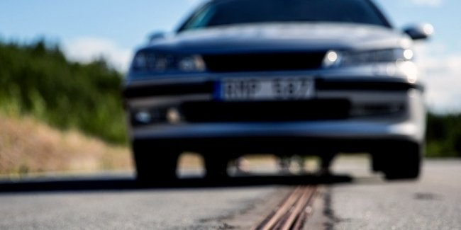 Шведские дороги будут заряжать электромобили на ходу
