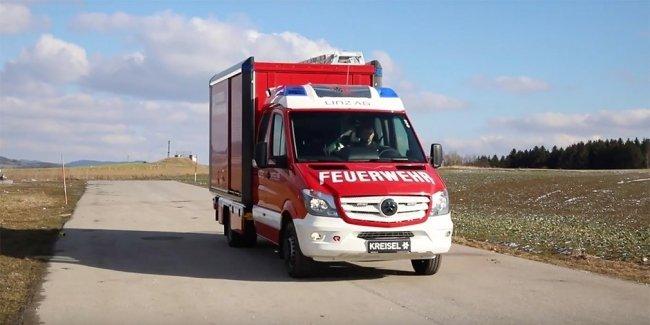 Австрийцы выпустили электрический пожарный автомобиль