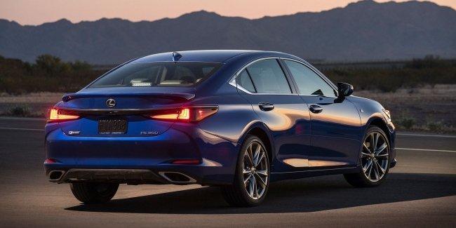 «Провокационная элегантность»: новый Lexus ES представлен в Китае