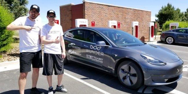 Tesla Model 3 проехала без подзарядки почти тысячу километров