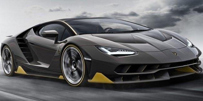 Lamborghini вынуждена отозвать автомобили из-за одной наклейки