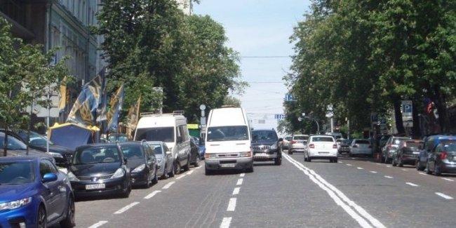 В Украине будет сужена ширина полос движения на дорогах