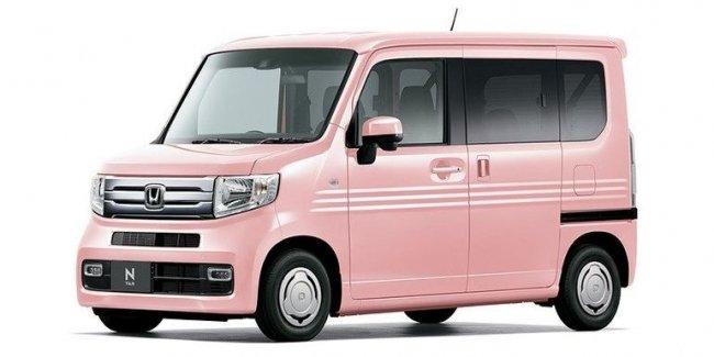 Honda засветила необычный фургон — без центральной стойки кузова