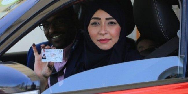 Женщинам в Саудовской Аравии окончательно разрешили садиться за руль