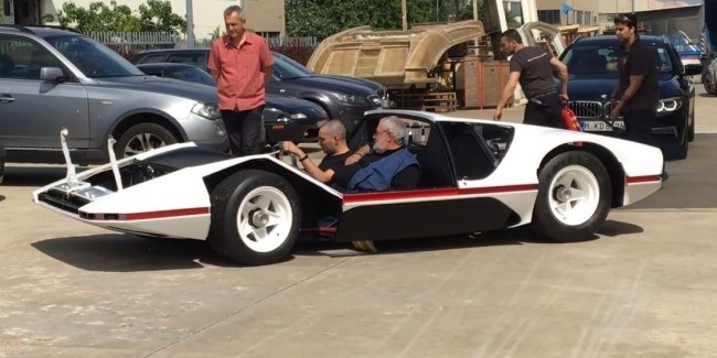 Самый невероятный суперкар Ferrari впервые выехал на дороги