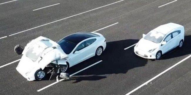 Британцы выявили опасную проблему в автопилоте Tesla