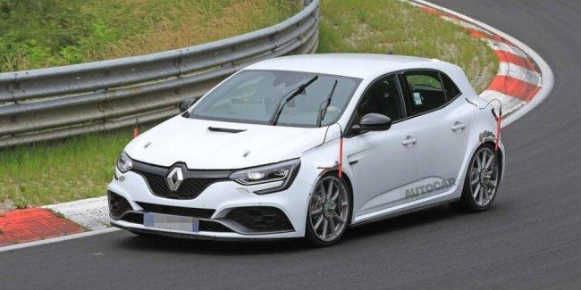 Renault начала готовить новый Megane RS к рекорду на Нюрбургринге