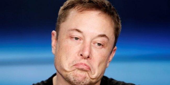 Илон Маск сообщил об увольнении четырёх тысяч сотрудников