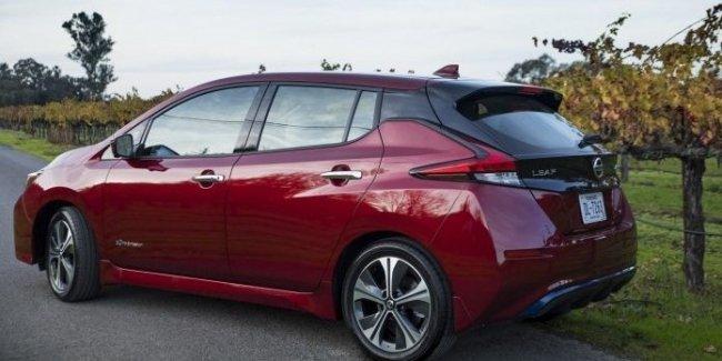 Топовый Nissan Leaf получит модернизированный электромотор