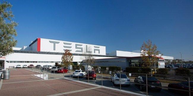 Компанию Tesla покинул главный инженер