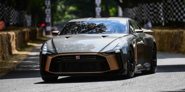 Видео: совместный суперкар Nissan и Italdesign впервые вывели на трек