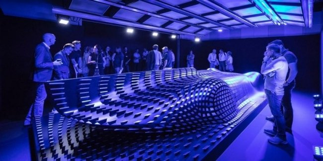 Mercedes-Benz анонсировал на видео презентацию электрического гиперкара