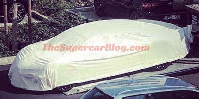 В Сети появилась фотография седана Bugatti