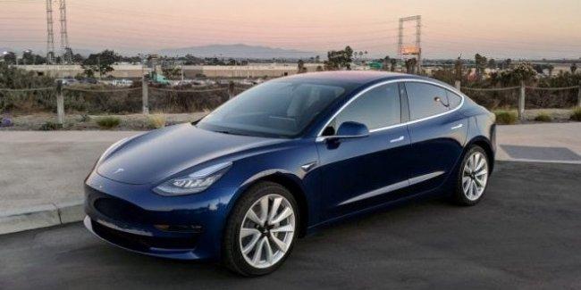 Абсолютный рекорд: Tesla продала свыше 50 тысяч электромобилей Model 3 с начала 2018 года