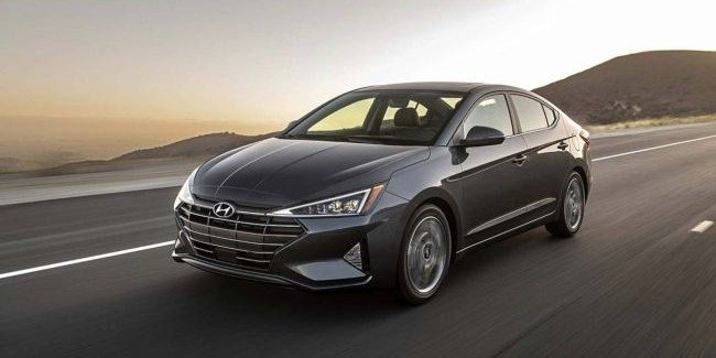 Hyundai озвучил цены на Elantra образца 2019 года