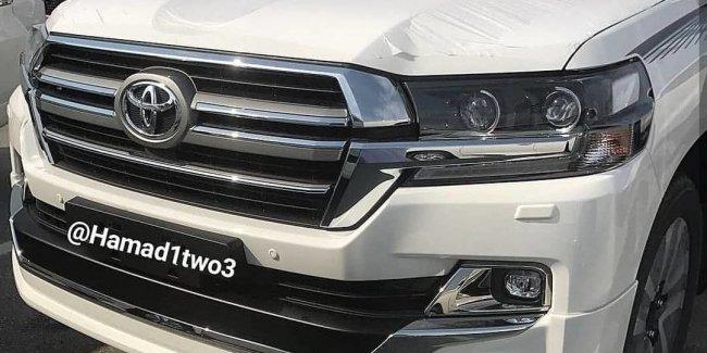 Рассекречена внешность Toyota Land Cruiser 2019