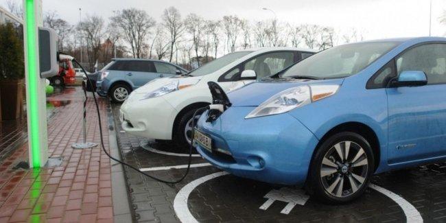 Путь в ЕС: Украина и Молдова создадут «зеленый коридор» для электромобилей