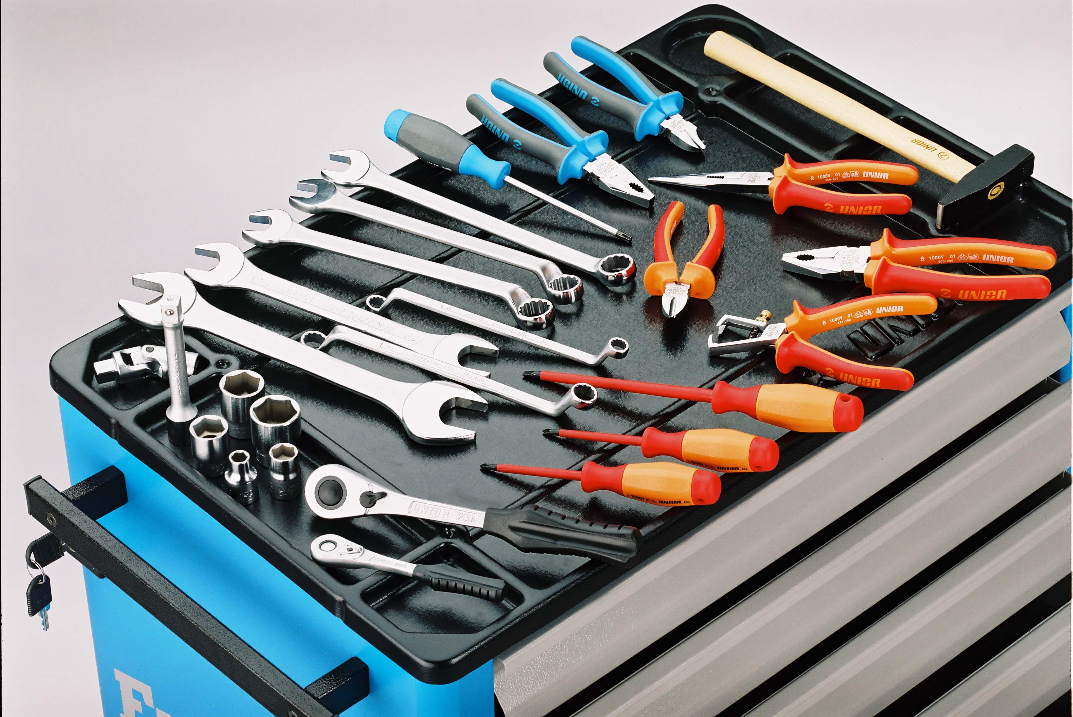 Основные разновидности инструментов для ремонта авто
