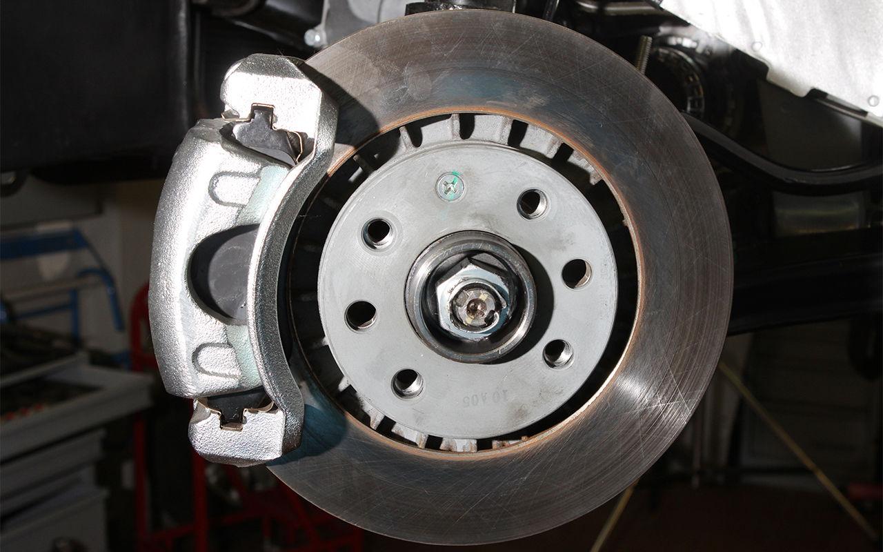 Чем отличаются барабанные и дисковые колодки?